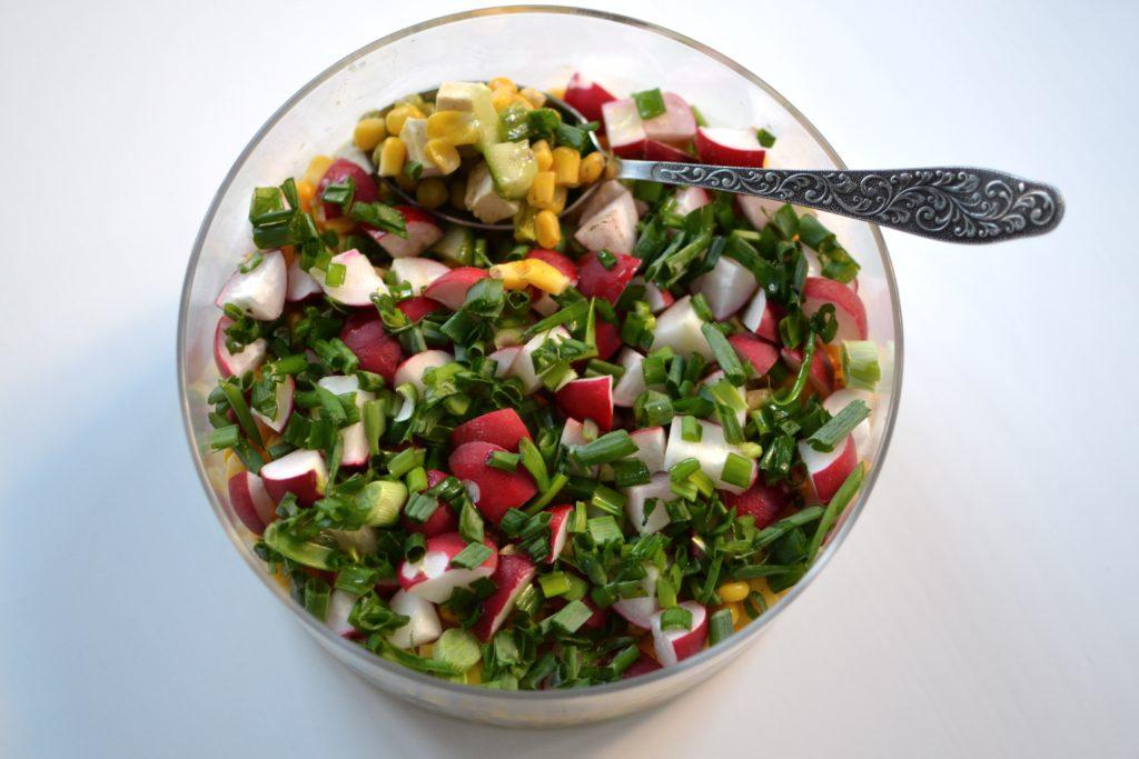 wegańska sałatka wielkanocna