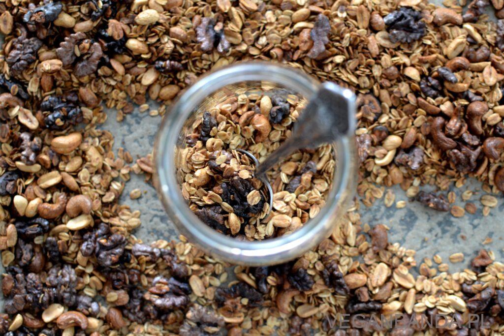 Domowa granola śniadaniowa